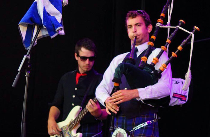 dundee pipe band gleadhriach