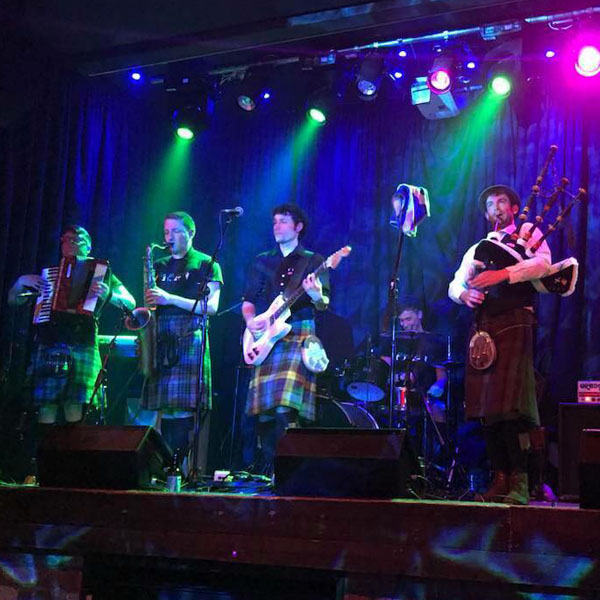 bagpipe band in dundee